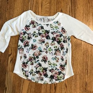 Small floral sweater with sequins